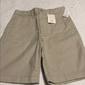 🏃🏻‍♂️ Boys NWT Gap Khaki Shorts
